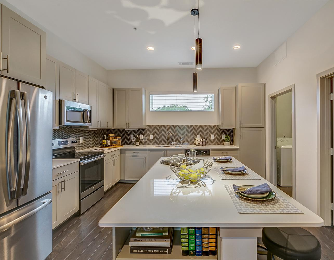 The Scenic at River East | Gables Residential Communities